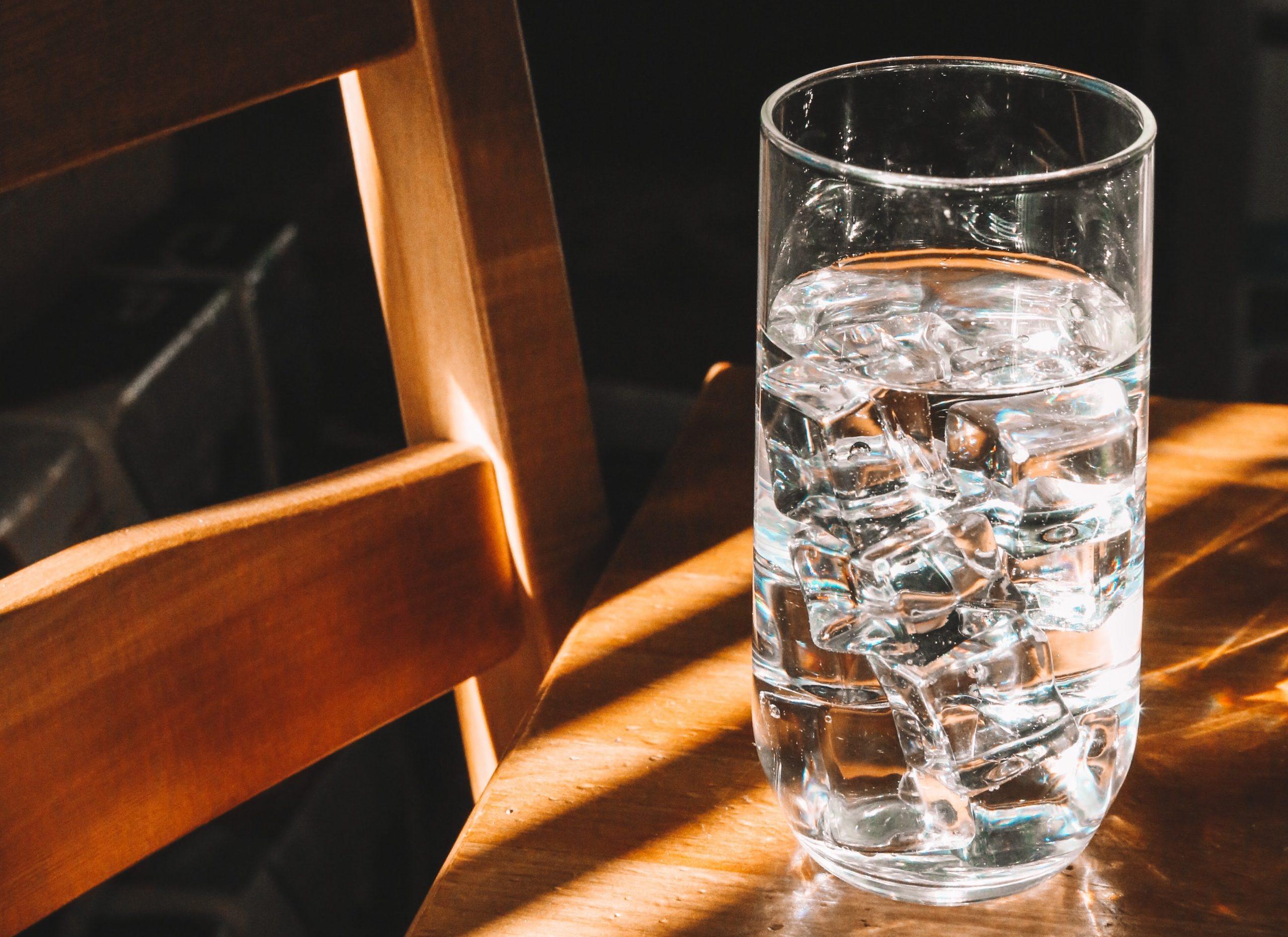 ivóvíz pohárban